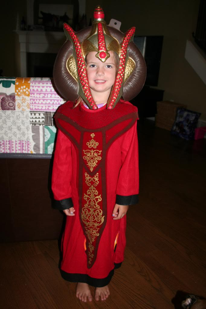 Present Costume For Kids