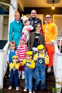 Espicable Me Family Costumes